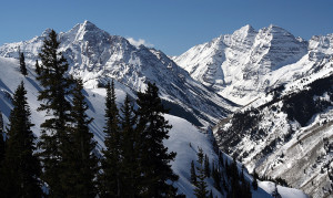 pyramid peak and maroon bells